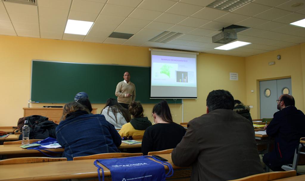 Resumen curso RECAPACICLA Universidad de Huelva 2017-18